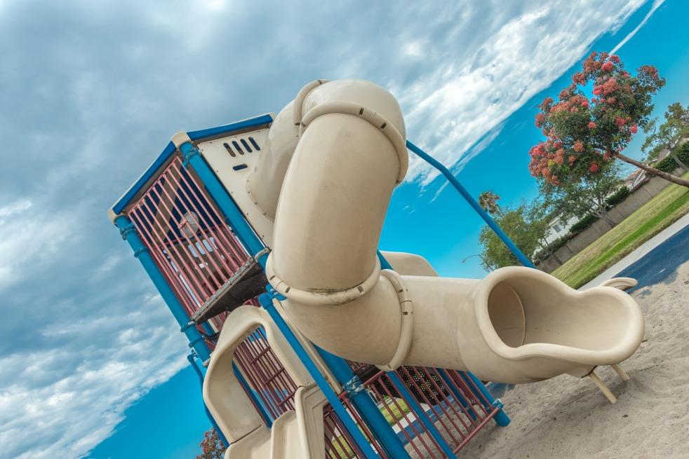 playground-1529588_1920
