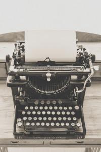typewriter-1248089_640